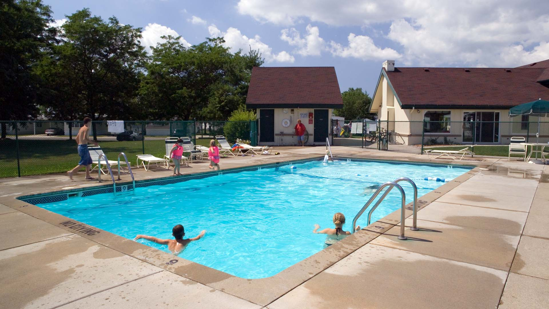 Allendale Meadows Manufactured Home Community Swimming Pool in Allendale, MI