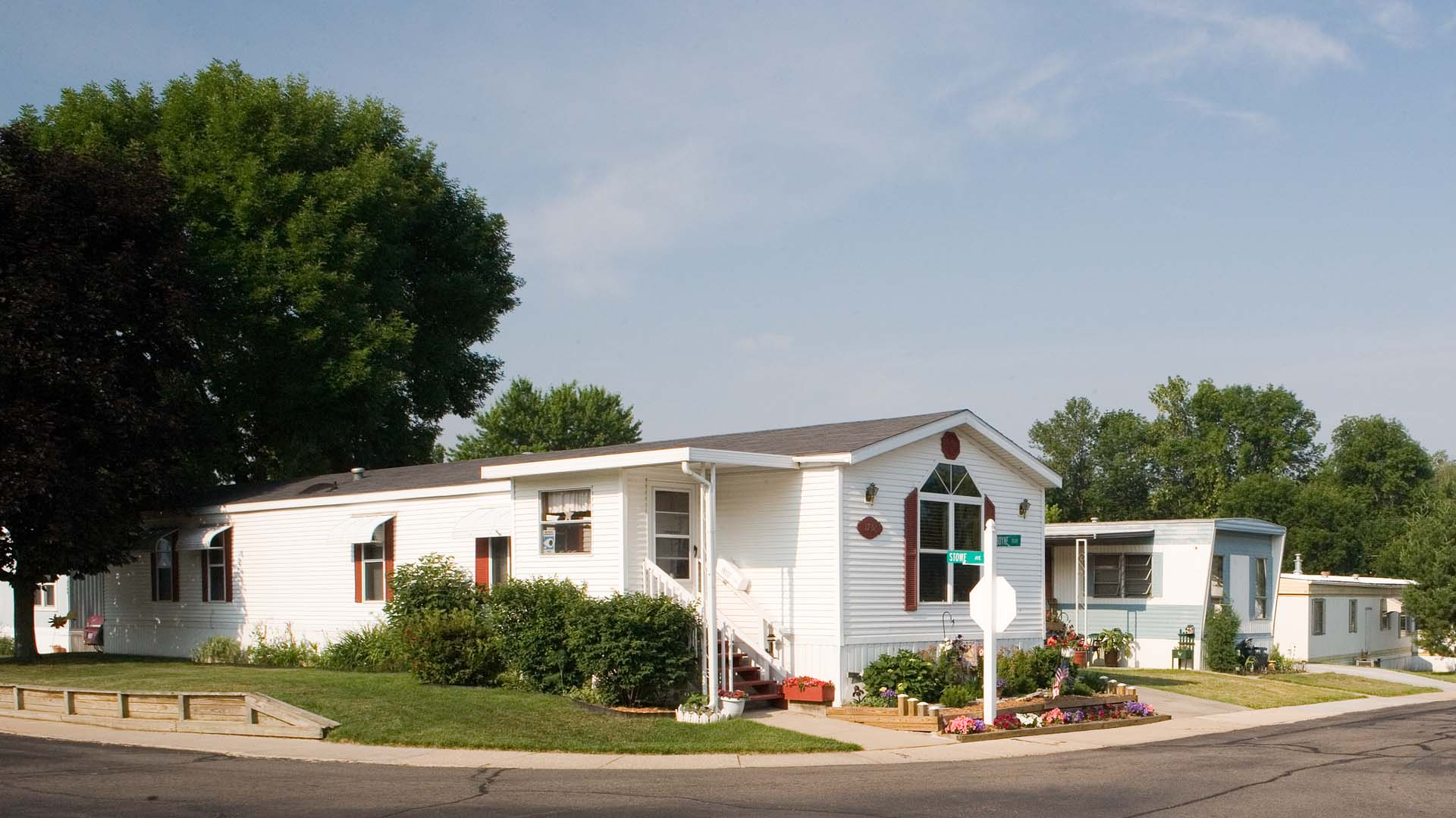 Alpine Meadows Manufactured Home Community Home in Grand Rapids, MI