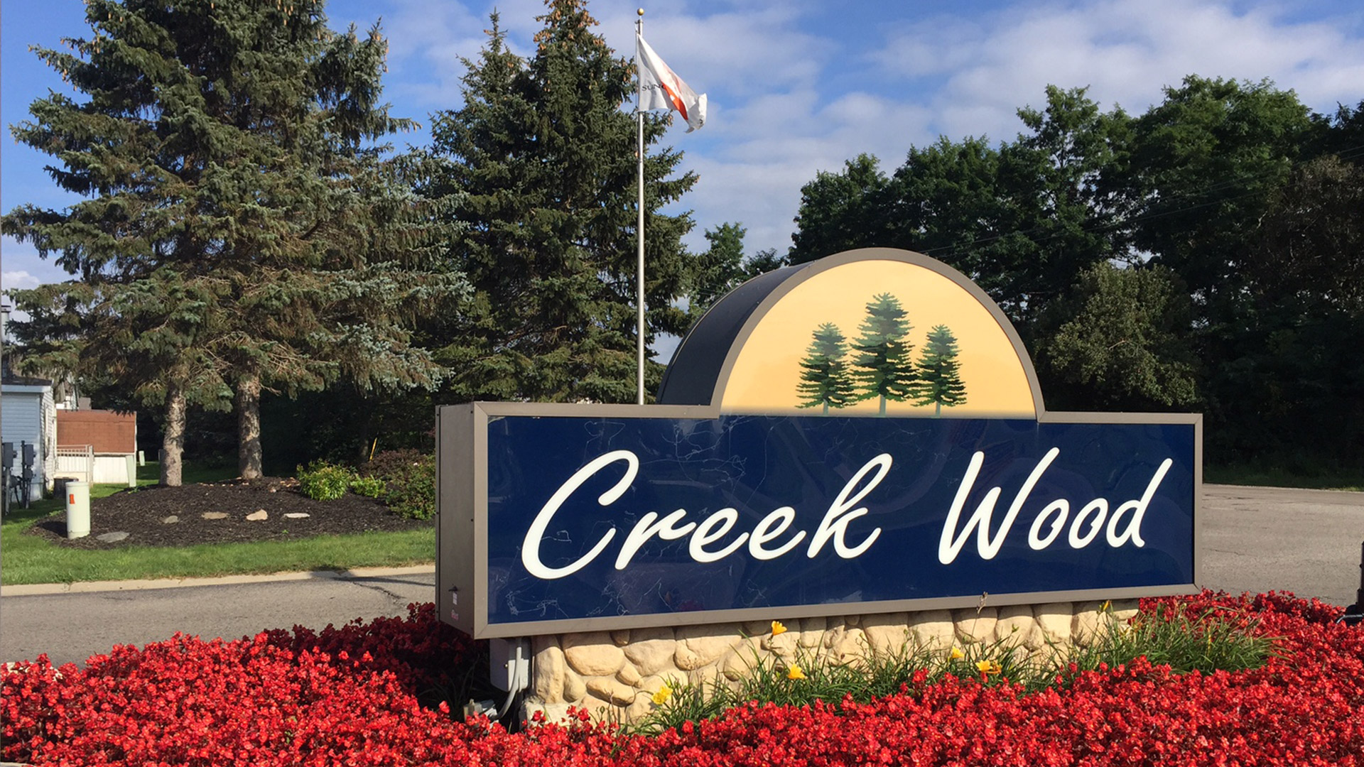 Creek Wood Manufactured Homes Community Entrance Sign in Burton, MI