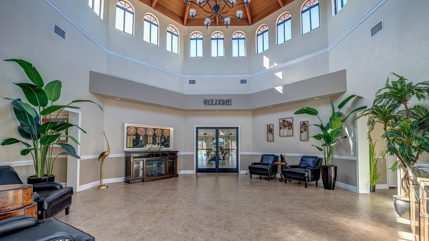 Cypress Greens 55+ Manufactured Homes Community and Golf Course Clubhouse Grand Foyer in Lake Alfred, FL