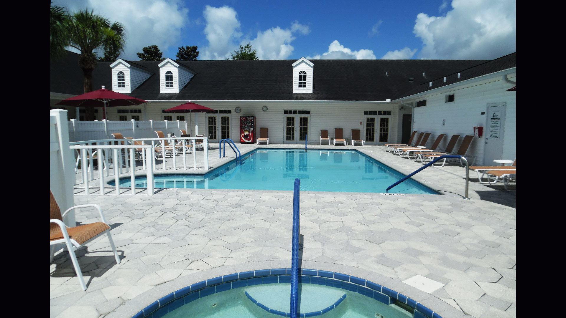 Fairfield Village 55+ Manufactured Homes Community Pool and Hot Tub in Ocala, FL