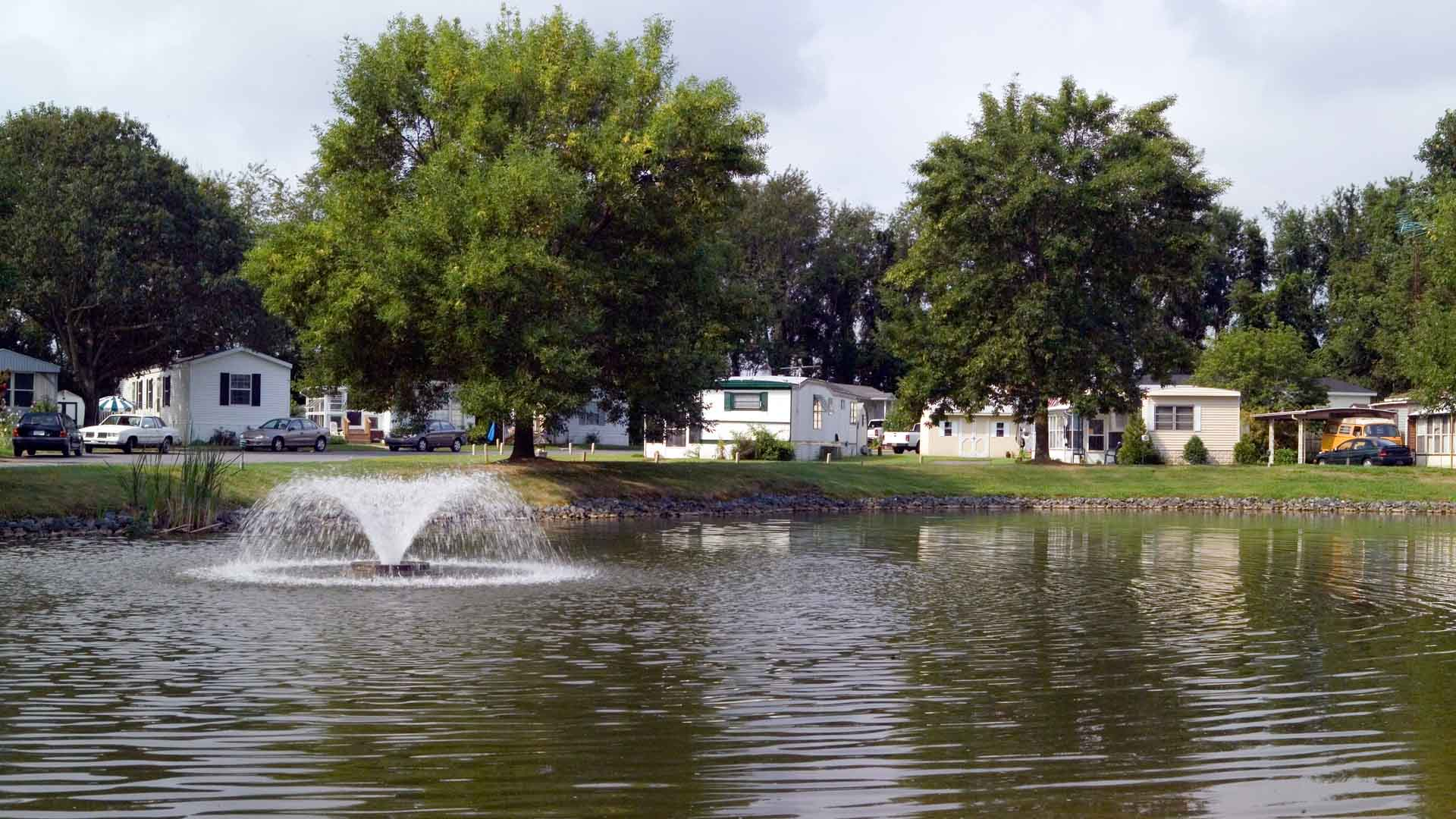 High Point Manufactured Homes Community Pond in Frederica, DE