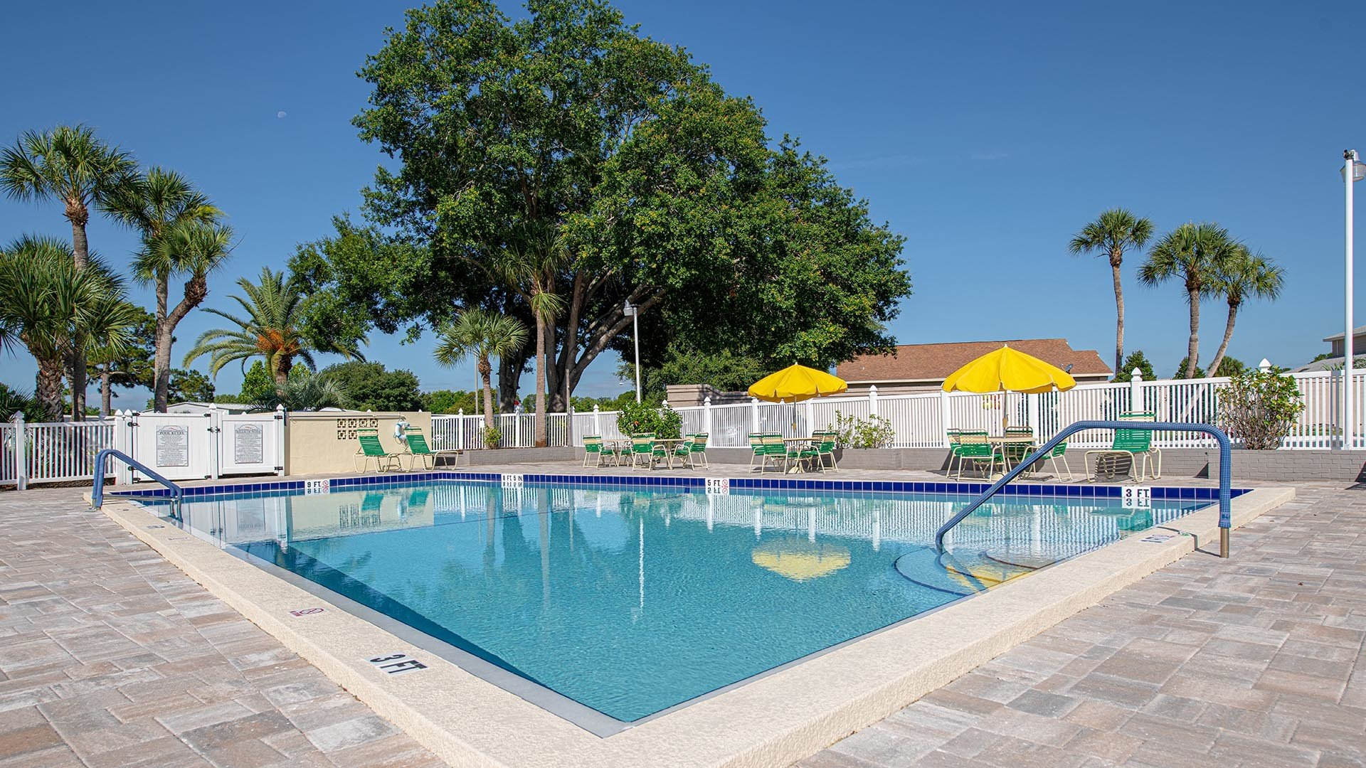Kissimmee Gardens 55+ Manufactured Homes Community Swimming Pool in Kissimmee, FL