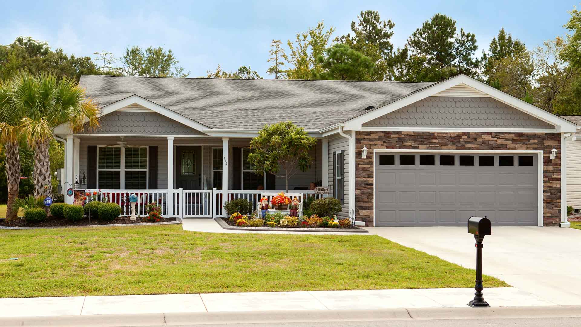 Lakeside Crossing 55+ Manufactured Homes Community Residence in Conway, SC