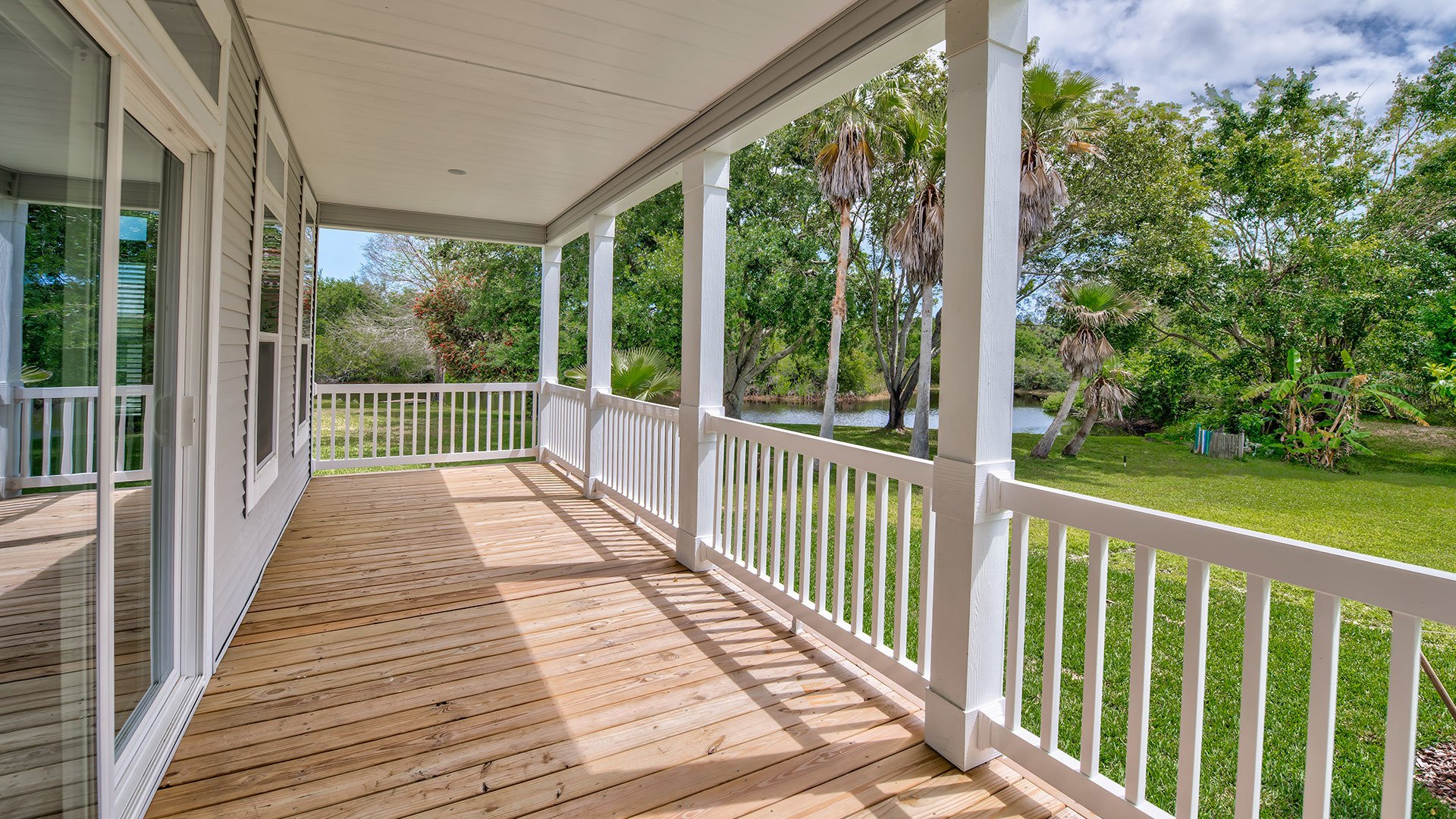 Park Place 55+ Manufactured Homes Community Residential Porch in Sebastian, FL