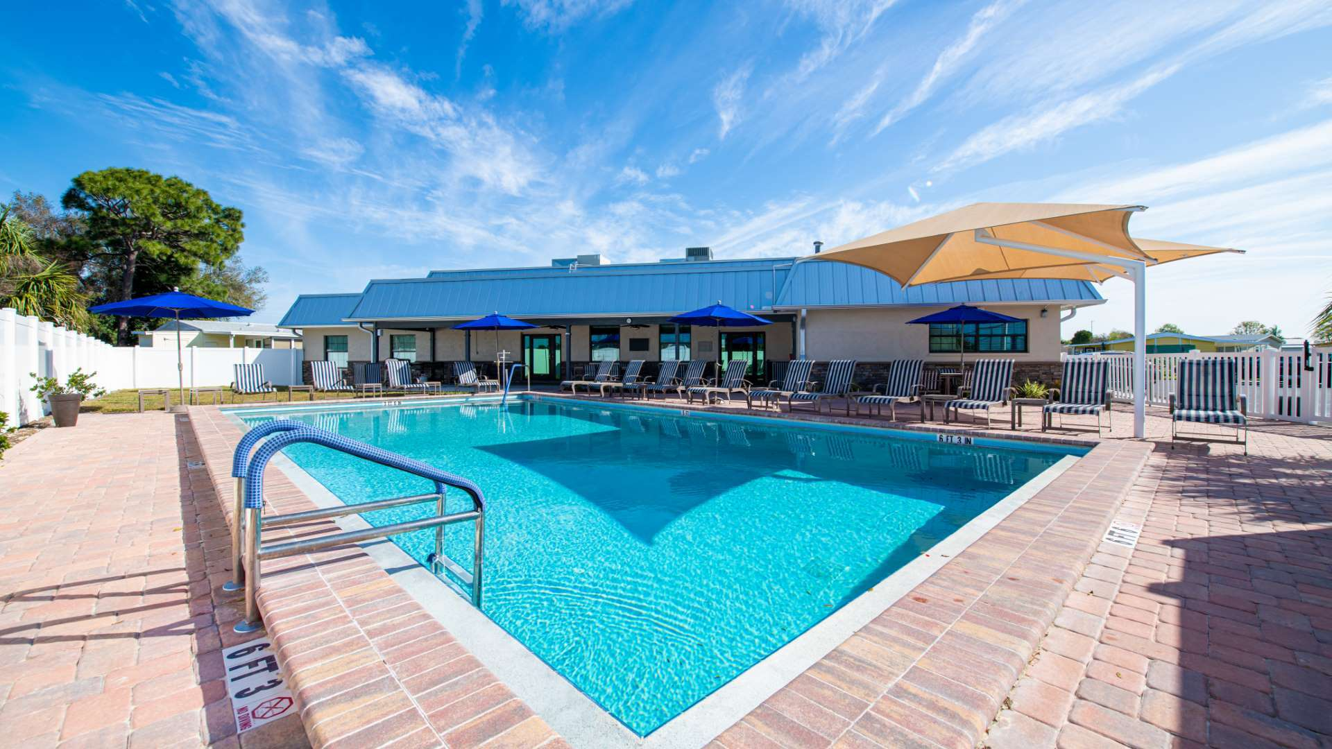 Swimming Pool at Shadow Wood Village 55+ Manufactured Home Community in Hudson FL