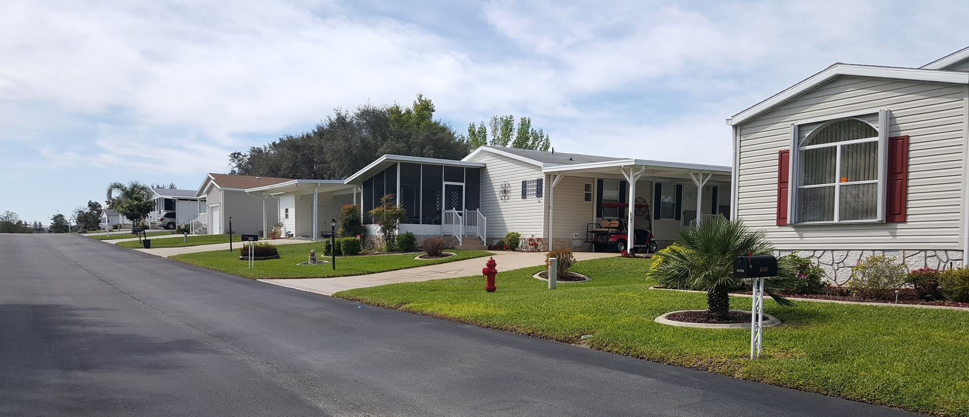 Woodlands At Church Lake Manufactured Home Community in Groveland, FL
