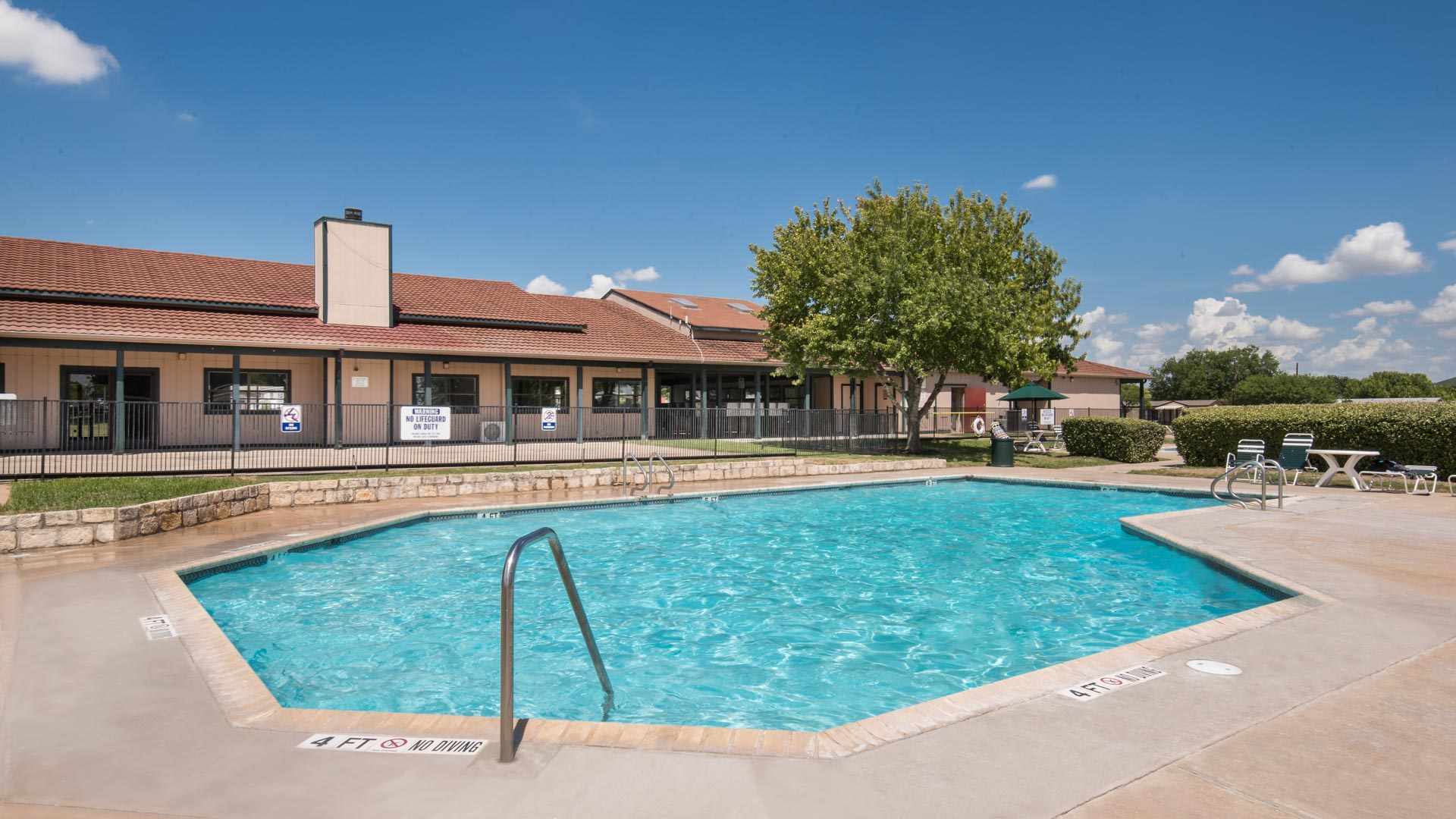 Chisholm Point Manufactured Homes Community Swimming Pool in Pflugerville, TX