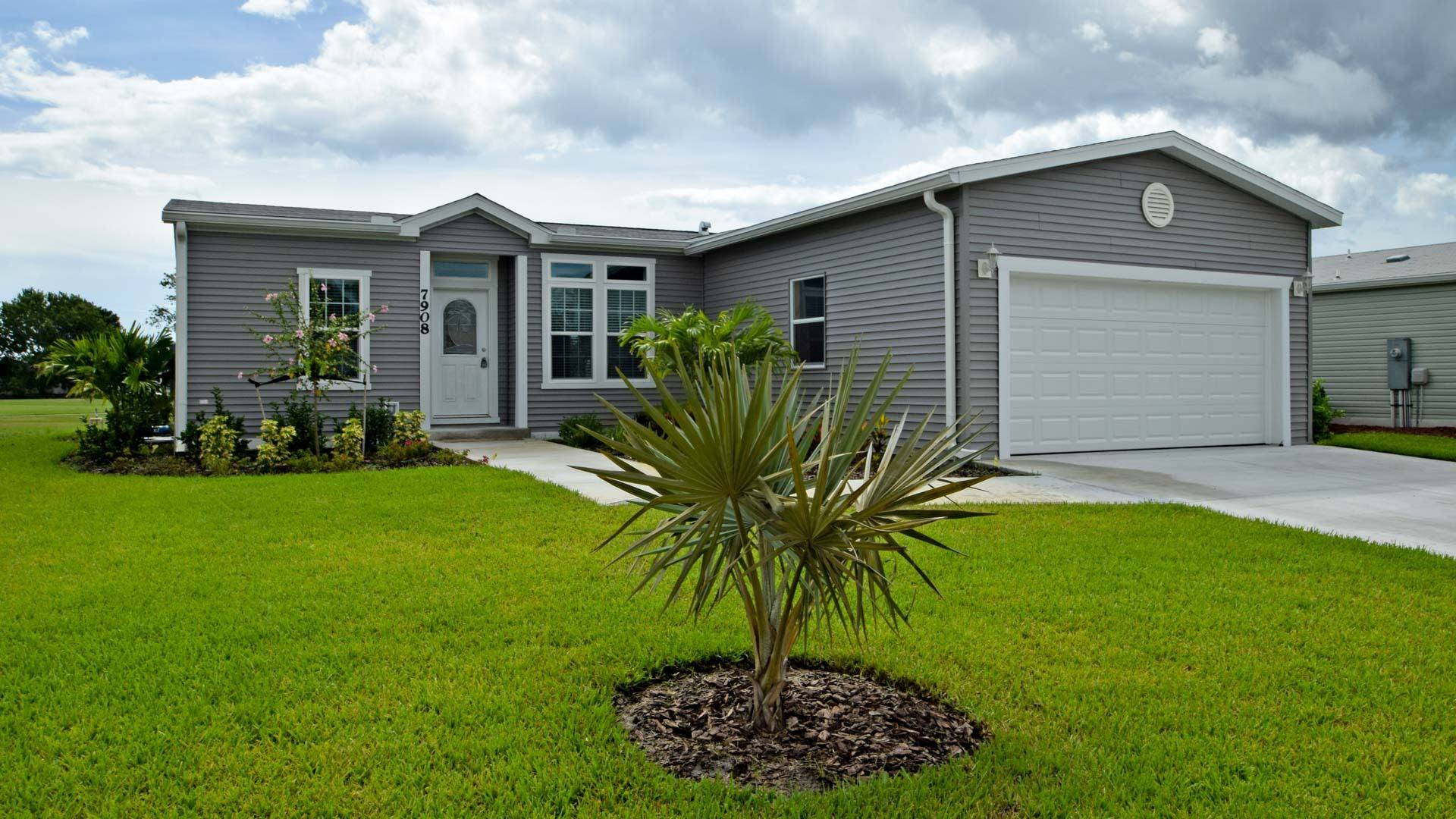 Savanna Club 55+ Manufactured Homes Community 7908 Horned Lark Circle in St. Lucie, FL